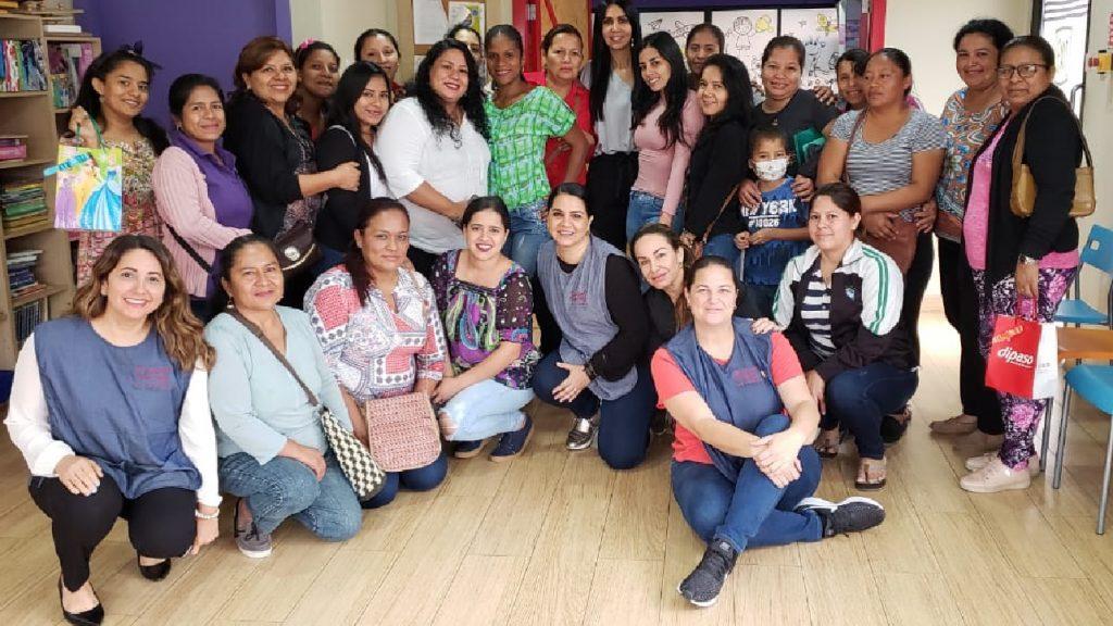 Unidad Pediática de SOLCA - Fotografía grupal